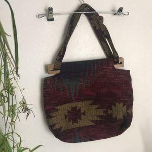 NWOT woven handbag with wood closure floral inside